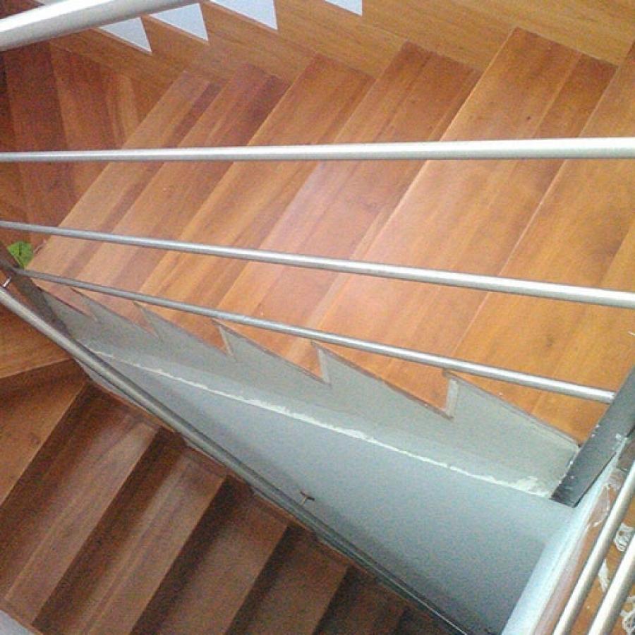 Trabajo realizado en la rehabilitación de escalera