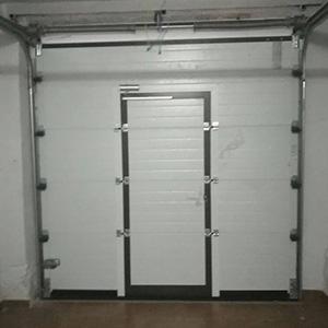 Conjunto de puerta peatonal y vallas